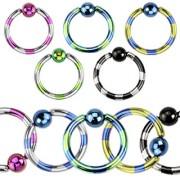 Piercing anneau captif ionisé titanium à striures bicolores